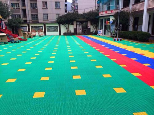 幼儿园环保弹性地面悬浮地板材料厂家