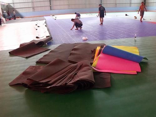 塑胶木地板羽毛球场