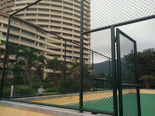 网球场围网灯光
