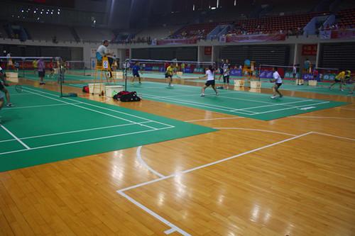 木地板羽毛球场
